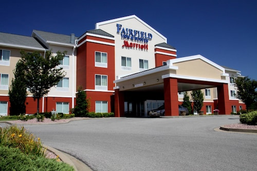 Great Place to stay Fairfield Inn and Suites by Marriott Marion near Marion