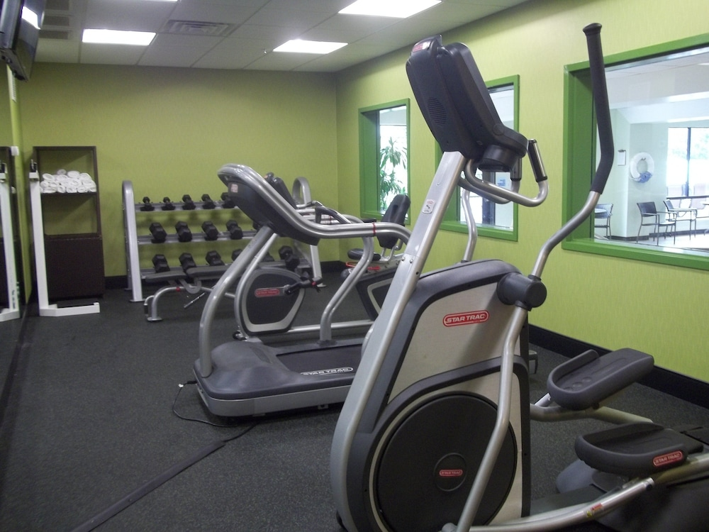 Fitness Facility, Holiday Inn Express Hotel & Suites Winchester