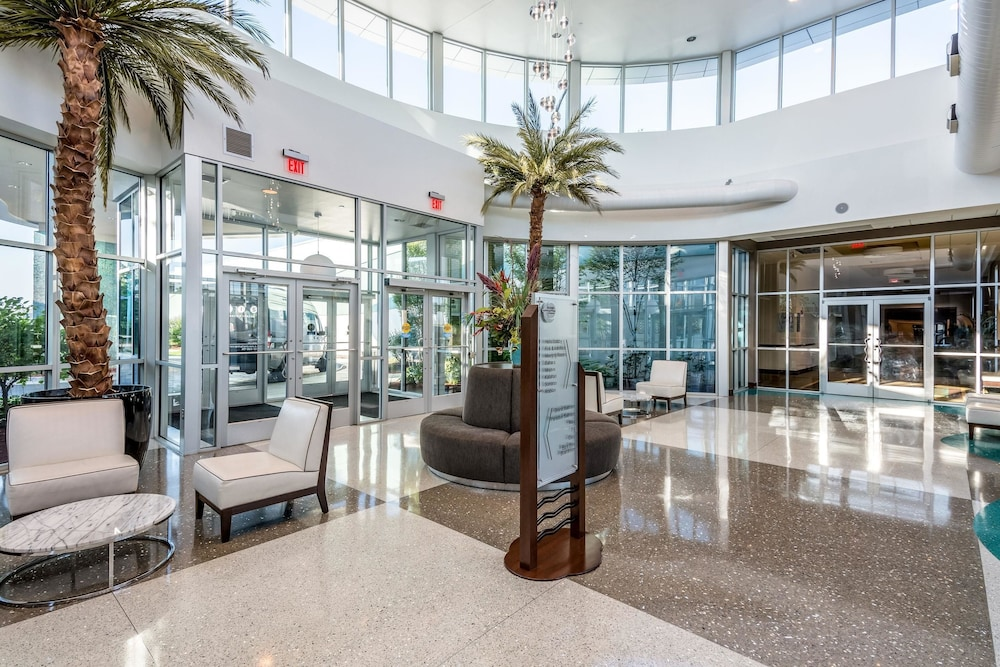 Lobby, Oasis Hotel & Conv. Center, Ascend Hotel Collection