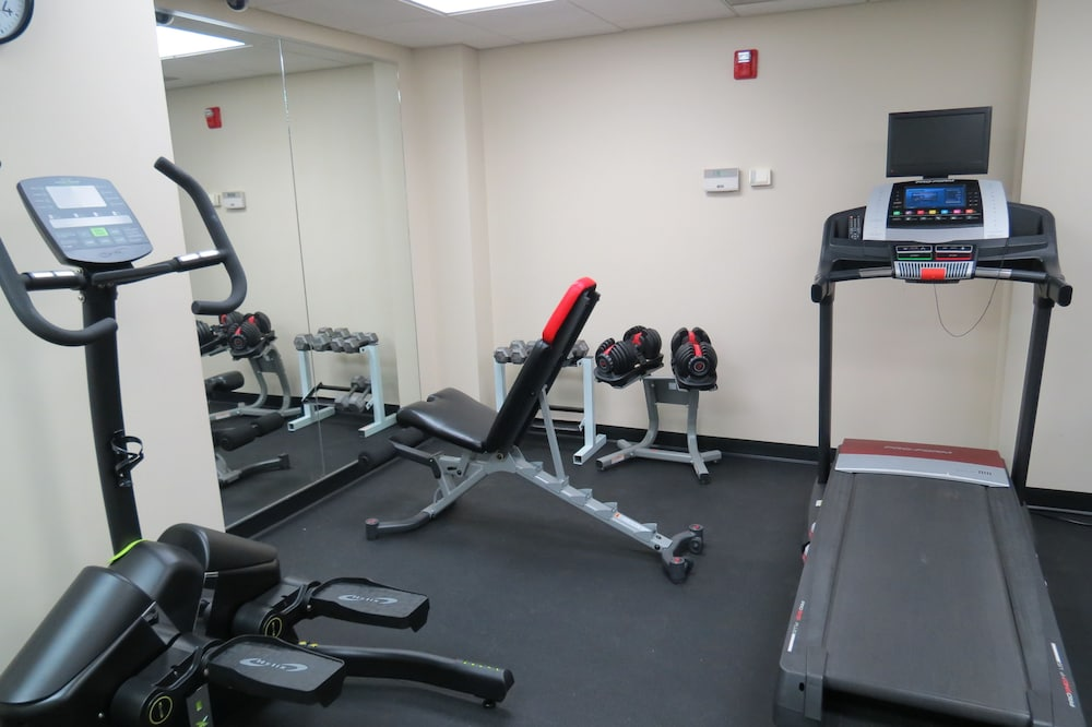 Gym, Oasis Hotel & Conv. Center, Ascend Hotel Collection