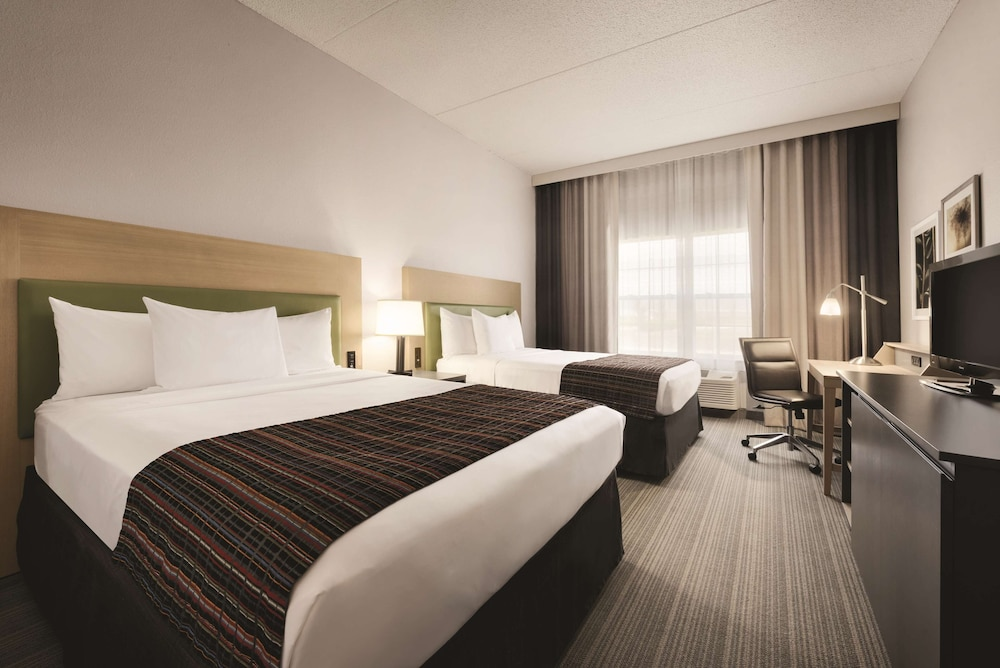 Room, Country Inn & Suites by Radisson, Coralville, IA