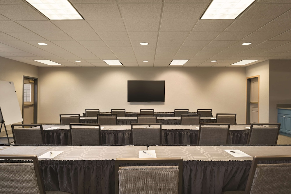 Meeting Facility, Country Inn & Suites by Radisson, Coralville, IA
