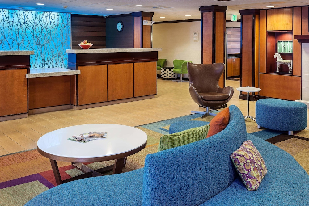 Lobby, Fairfield Inn and Suites by Marriott Anchorage