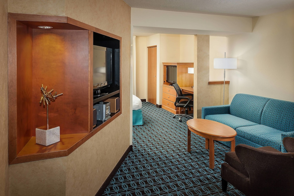 Room, Fairfield Inn and Suites by Marriott Anchorage