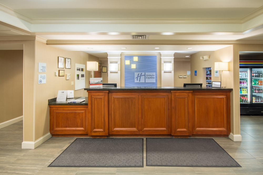 Lobby, Holiday Inn Express Hotel & Suites Auburn, an IHG Hotel