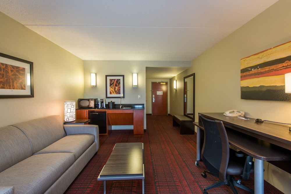 Room Amenity, Holiday Inn Express Hotel & Suites Auburn, an IHG Hotel