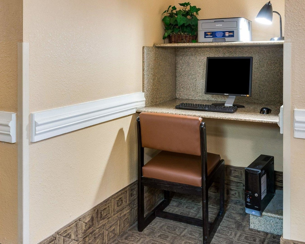 Business Center, Suburban Extended Stay Of Avondale