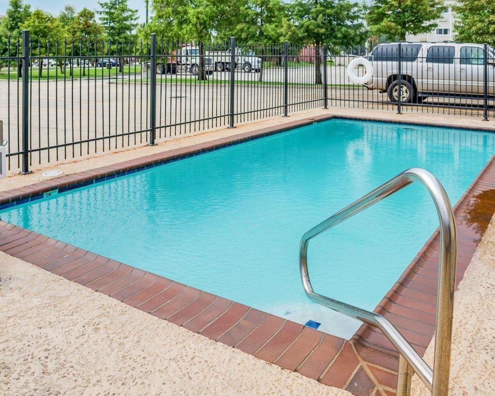 Pool, Suburban Extended Stay Of Avondale