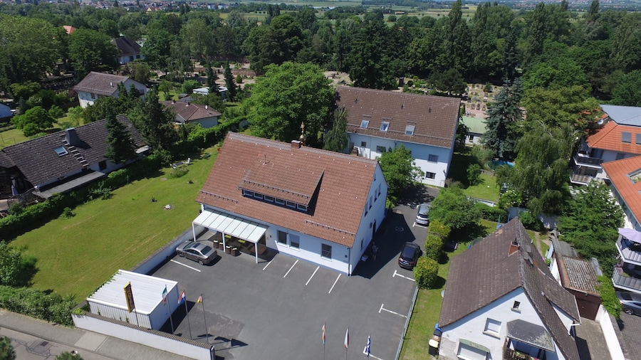 Hotel Attaché Frankfurt Airport Raunheim