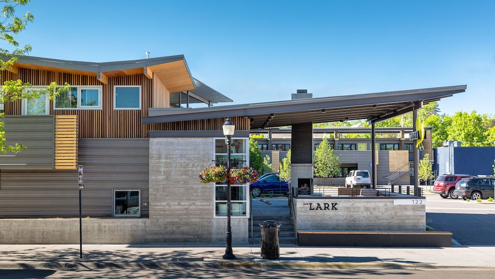 Book the lark bozeman bozeman hotel deals for Cost to build a house in bozeman mt