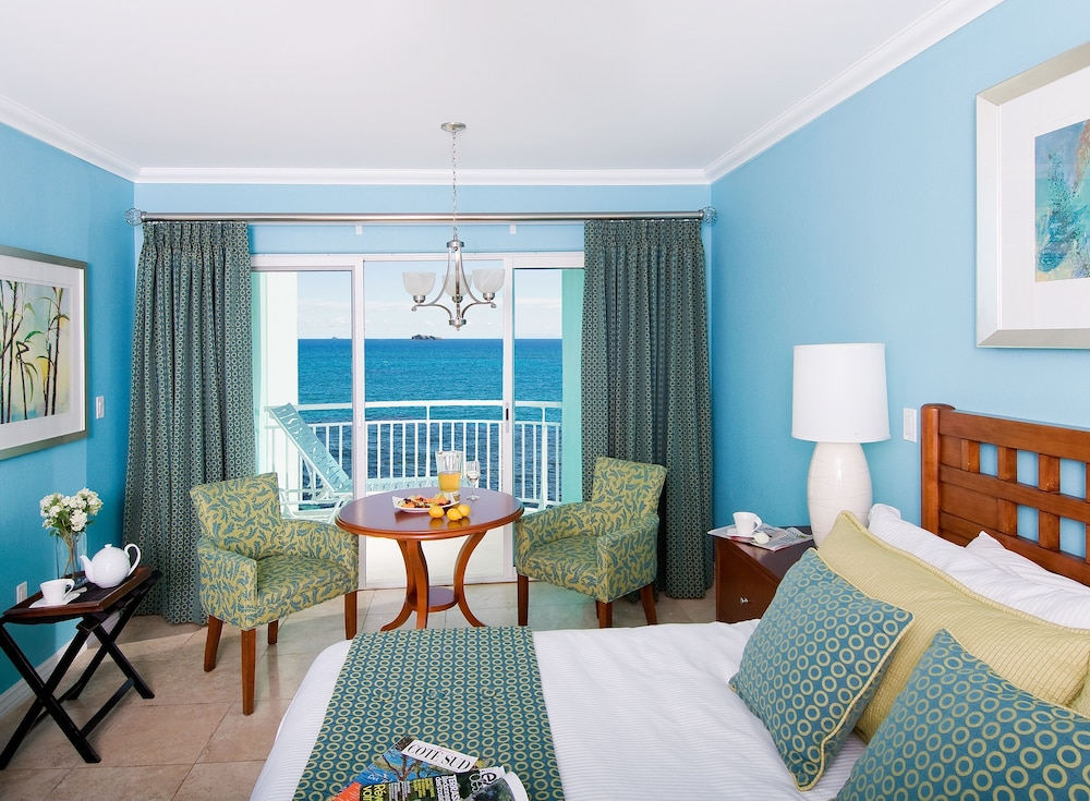 Oyster Bay Beach Resort 4 0 Out Of 5 Courtyard View Featured Image Guestroom