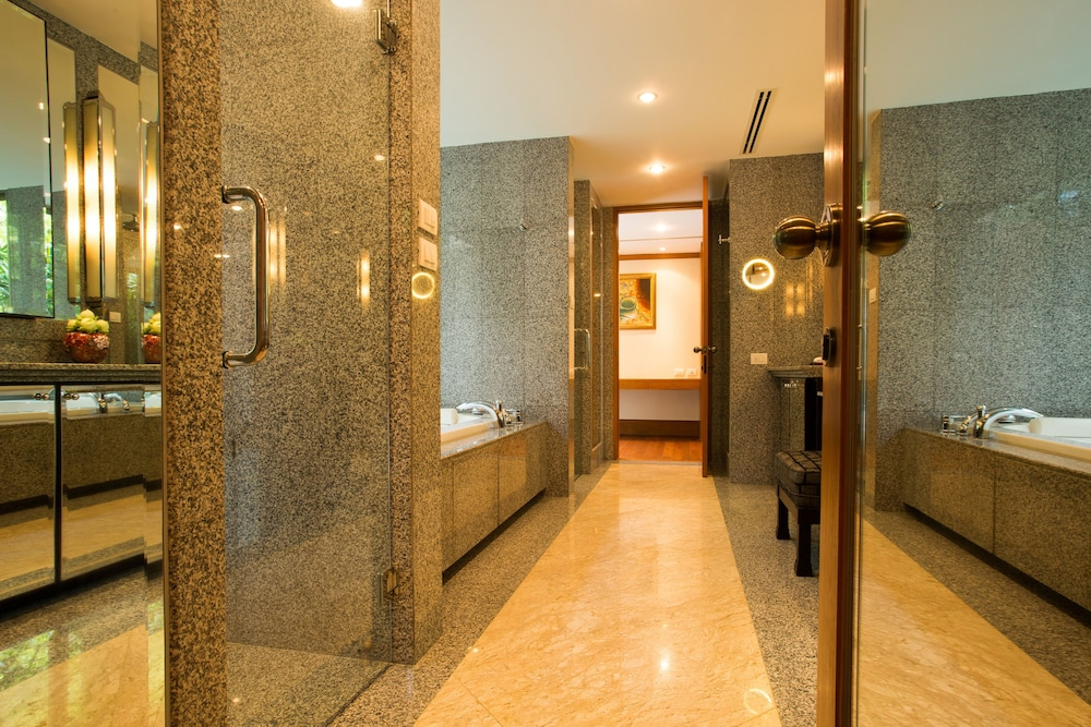 Bathroom, Trisara Villas & Residences Phuket