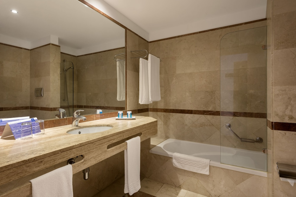 Vik gran hotel costa del sol malaga province spain for Bathroom showrooms costa del sol