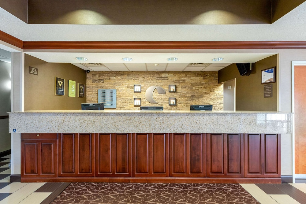Check-in/Check-out Kiosk, Comfort Suites Stevensville - St. Joseph