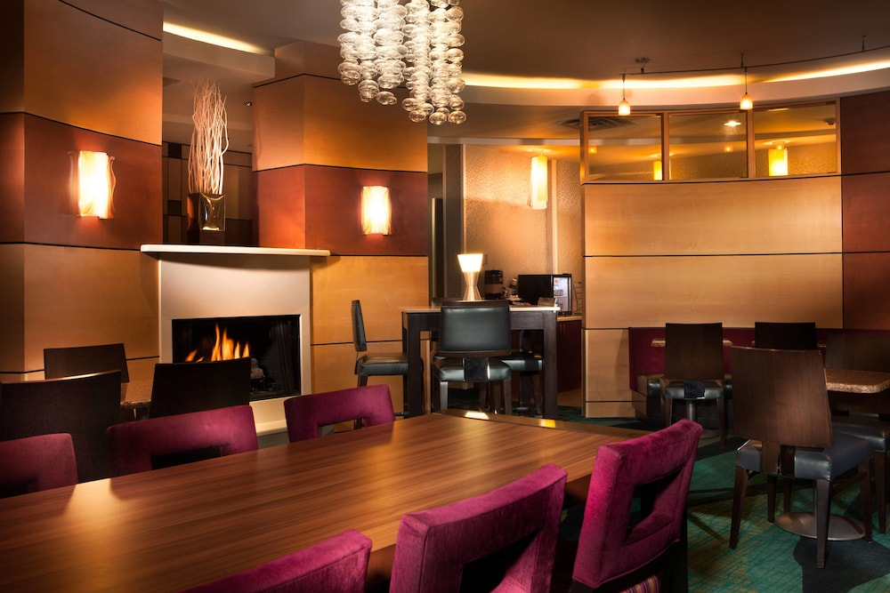 Restaurant, SpringHill Suites by Marriott Dallas DFW Airport N/Grapevine
