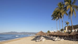 Playa privada y toallas de playa
