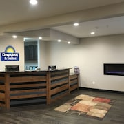 Days Inn & Suites by Wyndham Williston