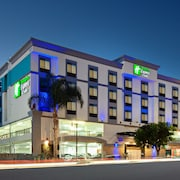 Holiday Inn Express Hotel & Suites Hollywood Walk of Fame