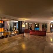Lounge executive