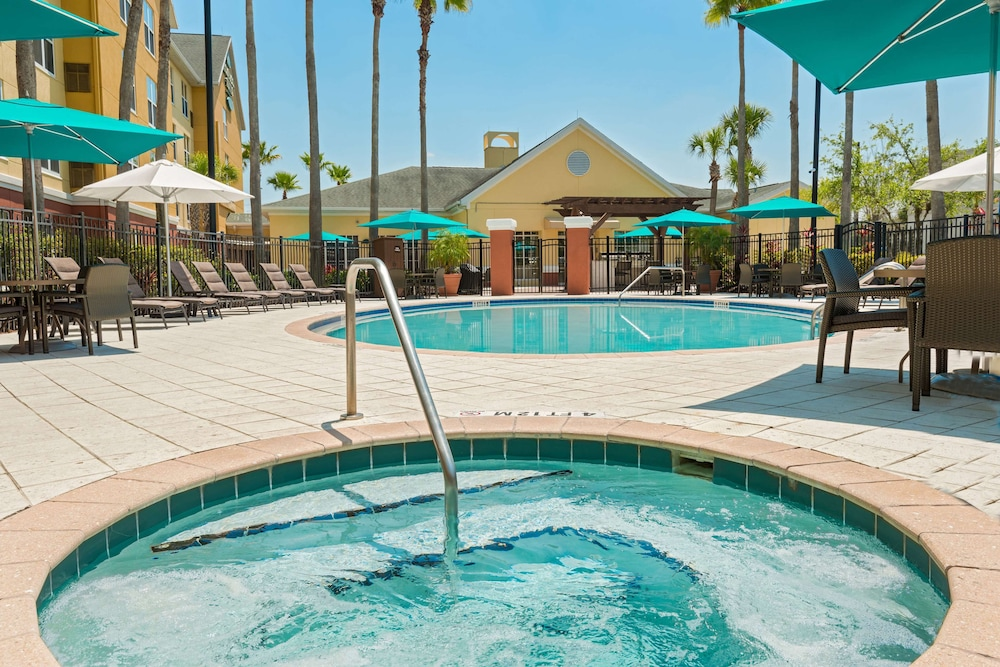 Sports Facility, Homewood Suites by Hilton® Orlando-UCF Area
