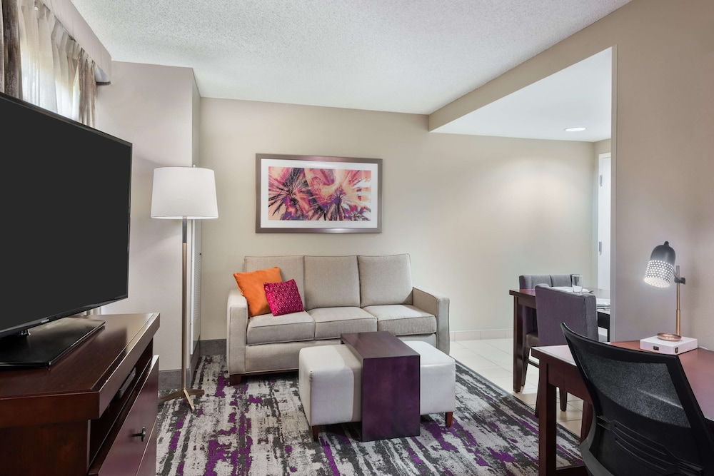 Living Area, Homewood Suites by Hilton® Orlando-UCF Area