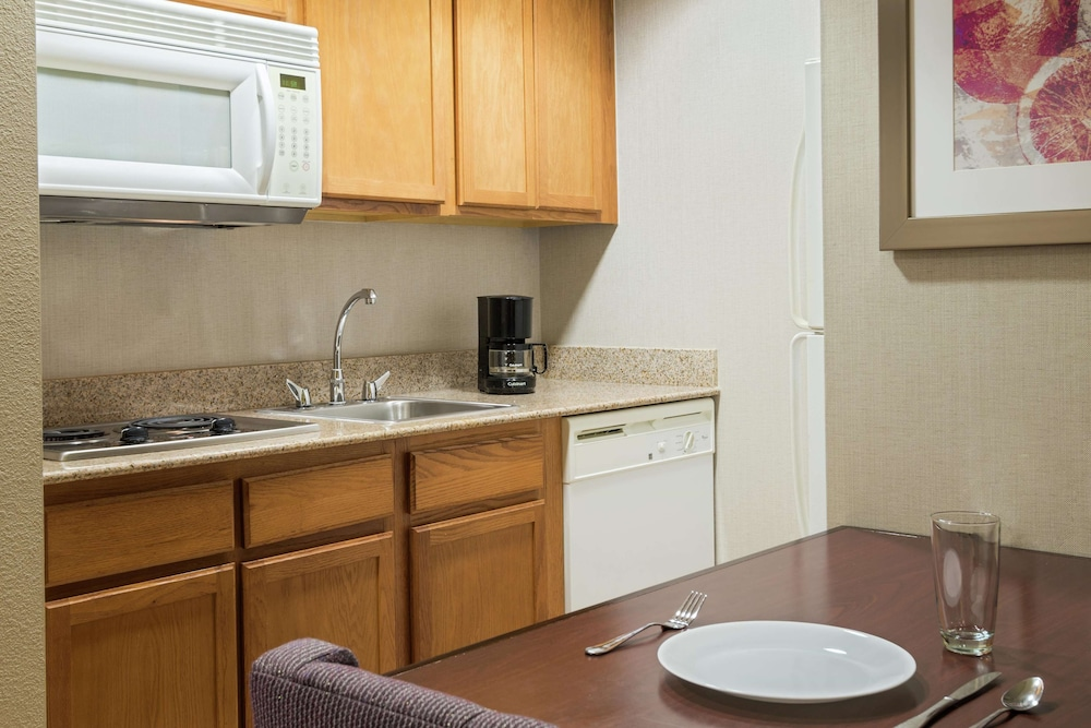 Private Kitchen, Homewood Suites by Hilton® Orlando-UCF Area