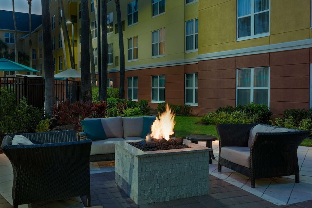 Terrace/Patio, Homewood Suites by Hilton® Orlando-UCF Area