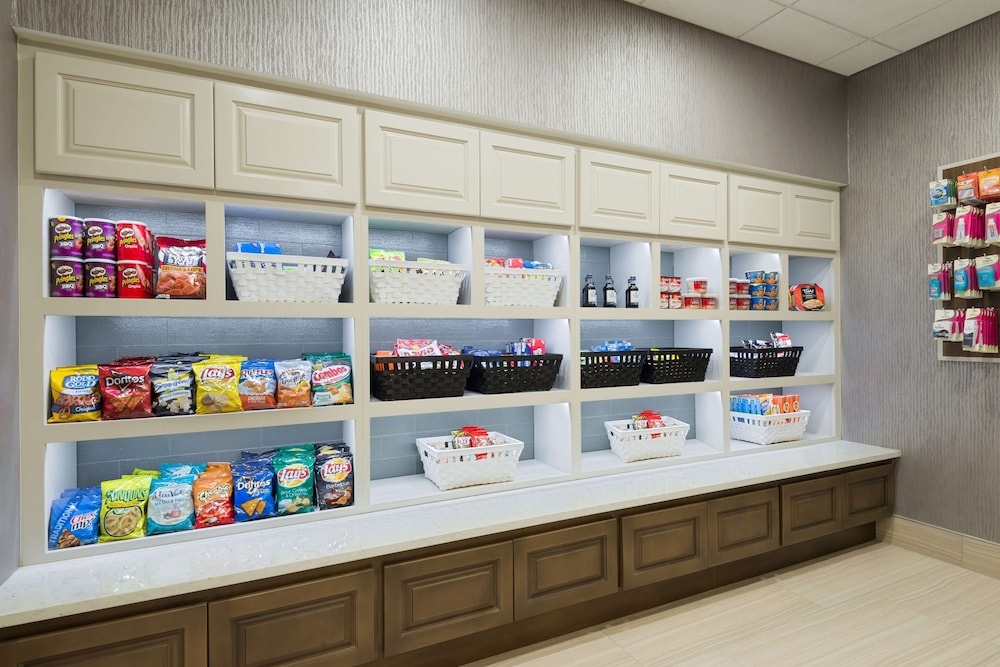 Snack Bar, Homewood Suites by Hilton® Orlando-UCF Area