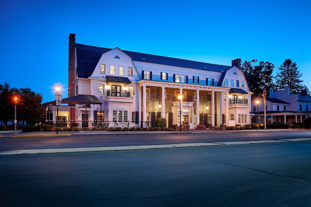 Front of Property - Evening/Night, Colgate Inn