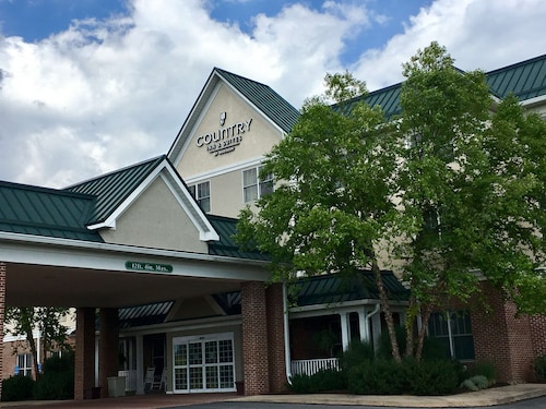 Country Inn & Suites by Radisson, Lewisburg, PA