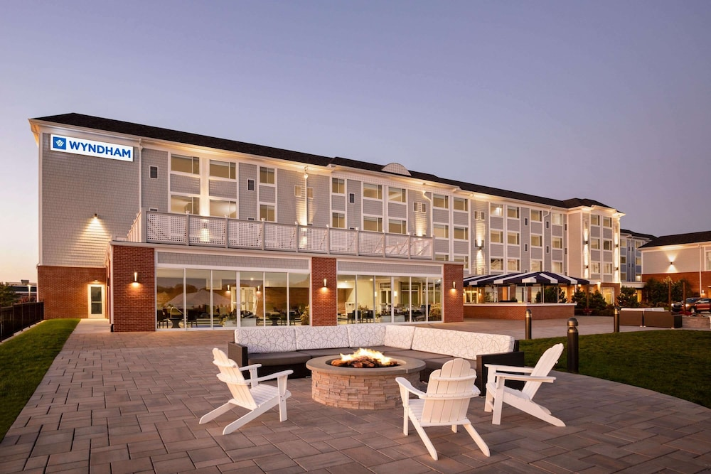 Featured Image, Wyndham Newport Hotel