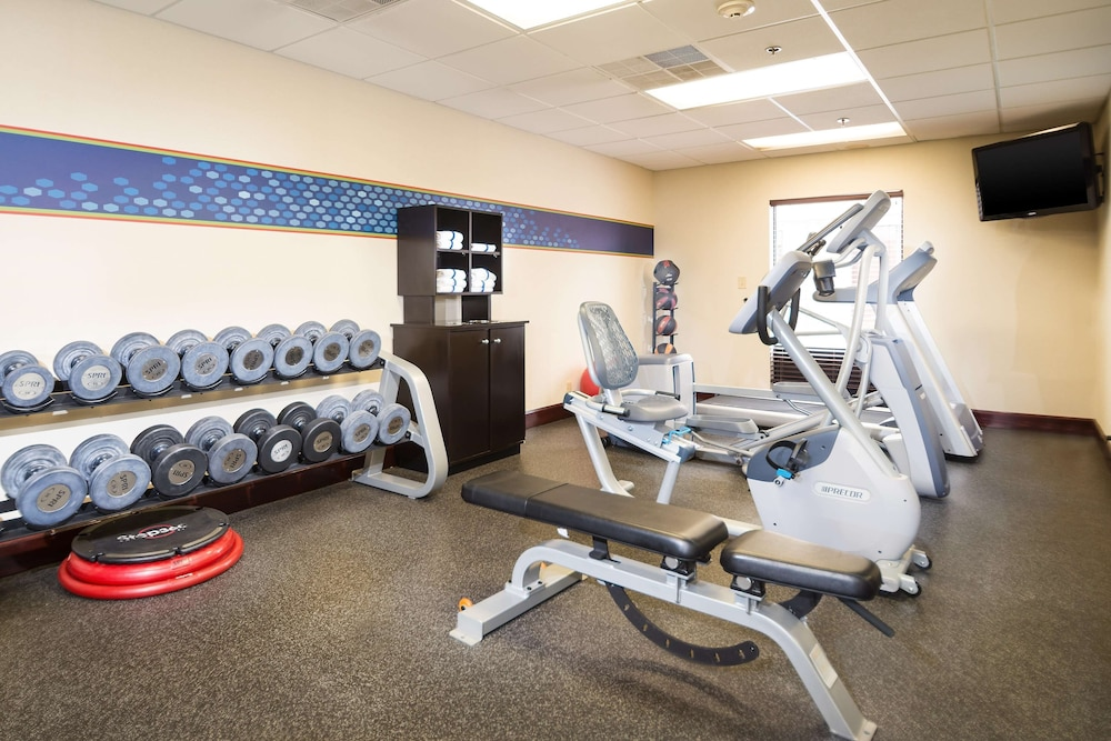 Fitness Facility, Hampton Inn & Suites Wilson I-95