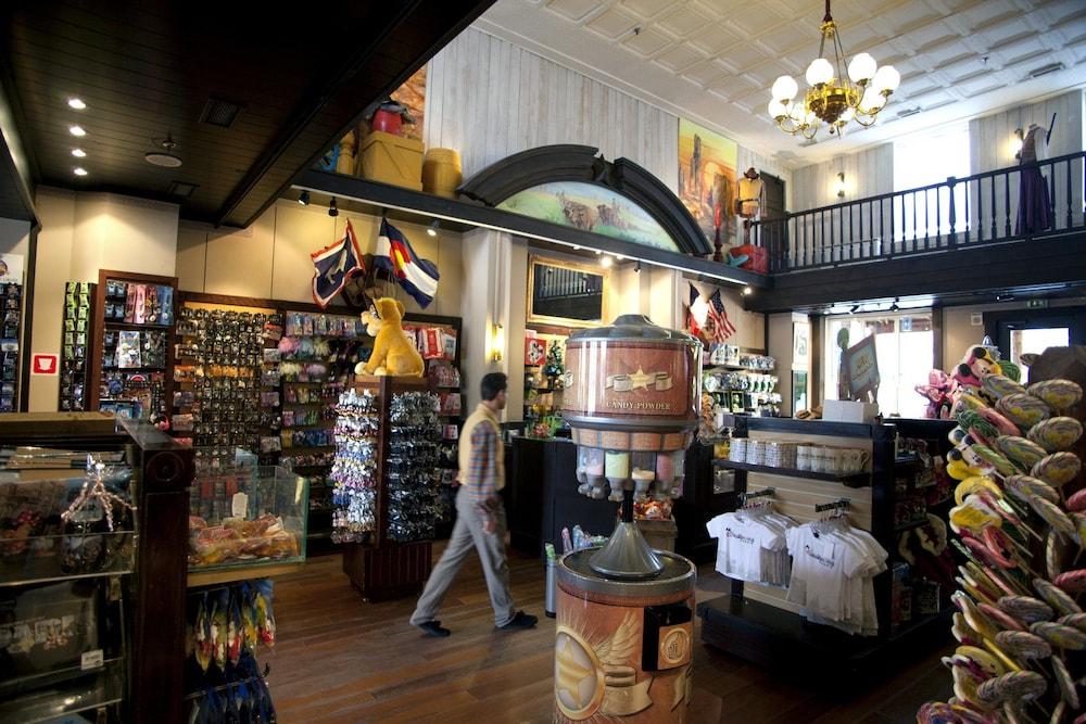 Disney S Hotel Cheyenne Paris 2019 Room Rates Reviews Ebookers Com