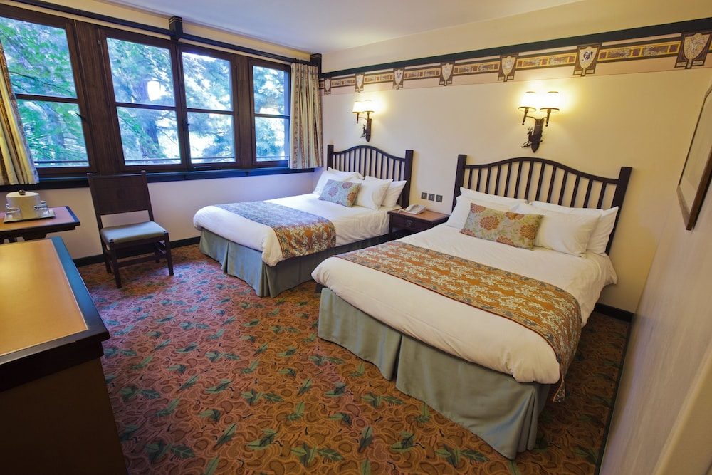 Disney 39 s sequoia lodge 2017 room prices deals reviews for Chambre hotel disney
