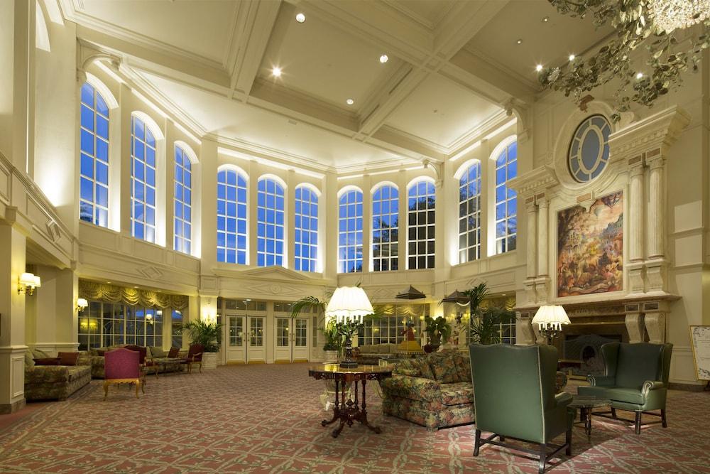 Camere Disneyland Hotel : Disneyland hotel parigi francia expedia