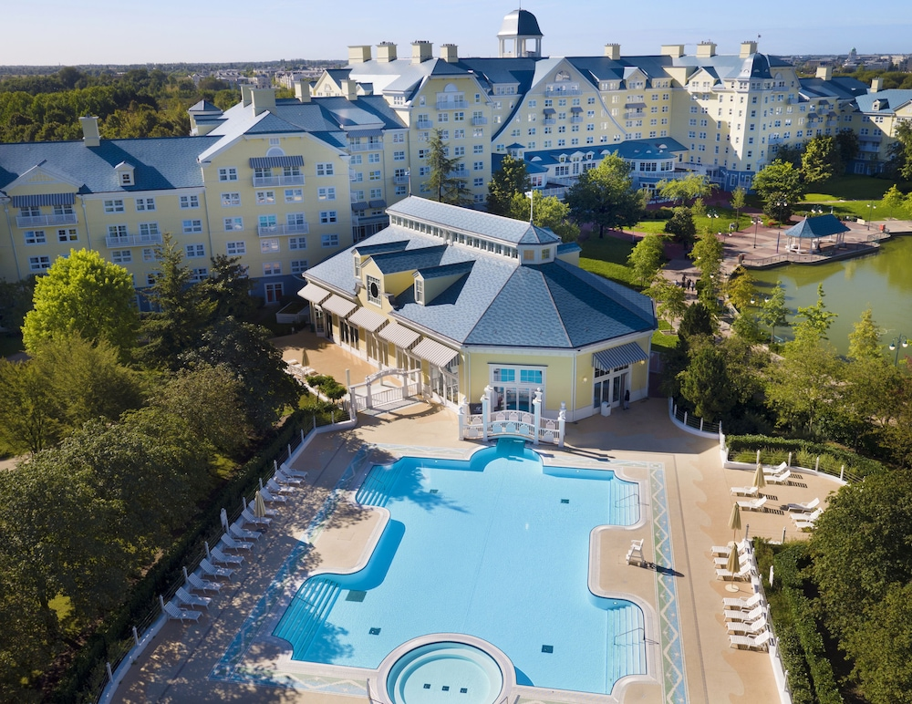 Featured Image, Disney's Newport Bay Club
