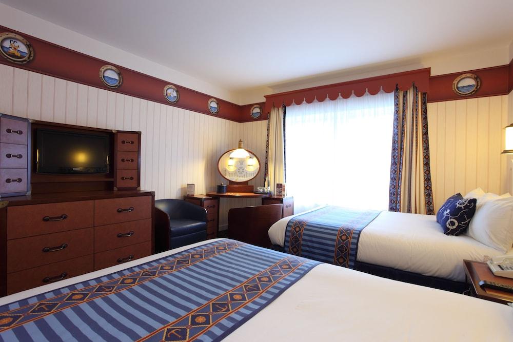 disney 39 s newport bay club seine et marne france. Black Bedroom Furniture Sets. Home Design Ideas