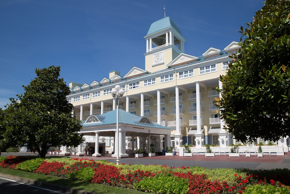 Front of Property, Disney's Newport Bay Club