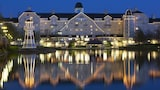Disney's Newport Bay Club - Coupvray Hotels