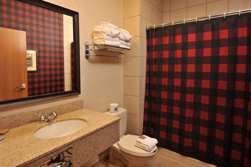 Bathroom, Grand Lodge Hotel Wausau - Rothschild