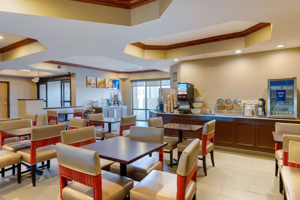 Breakfast Area, Comfort Suites