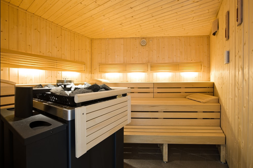 Sauna, The Excelsior Hotel