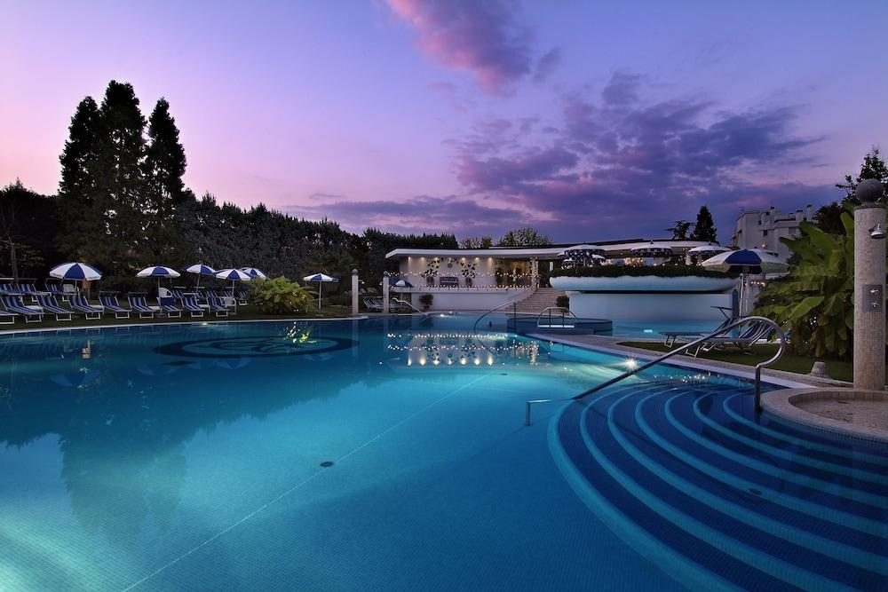 Hotel terme mioni pezzato abano terme italia - Hotel mioni pezzato ingresso piscina ...