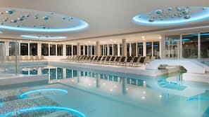 2 piscine coperte, piscina all'aperto