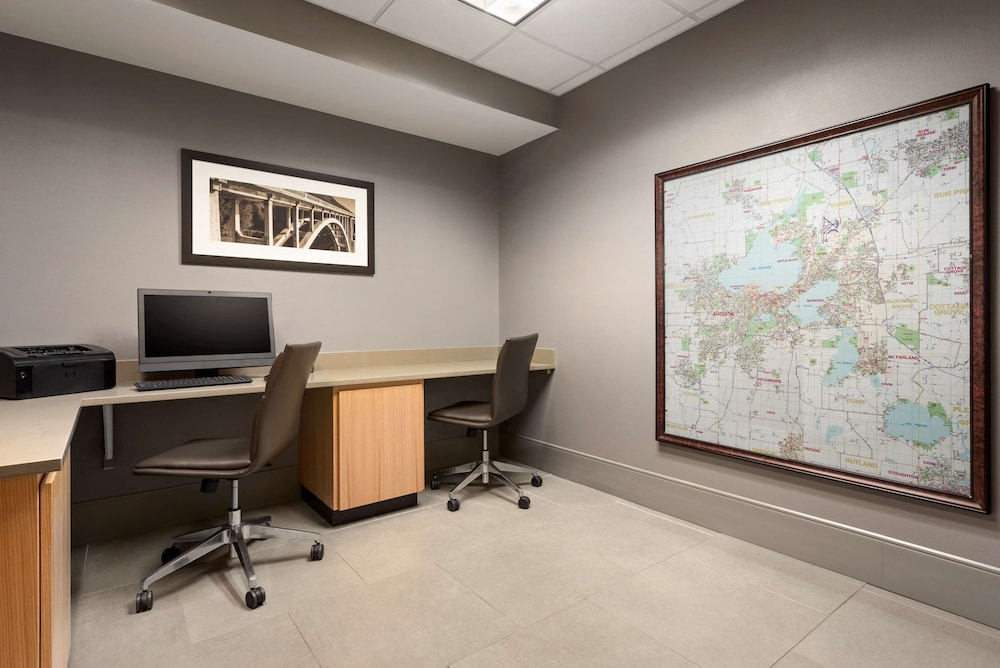 Business Center, Country Inn & Suites by Radisson, Madison West, WI