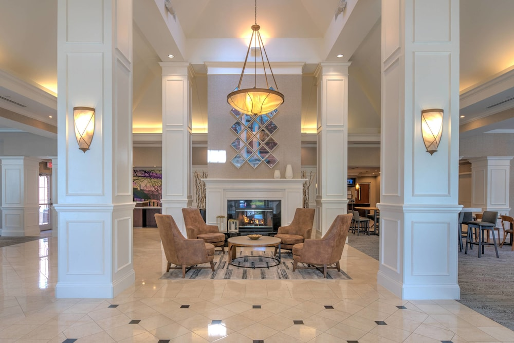 Lobby, Courtyard by Marriott Chapel Hill