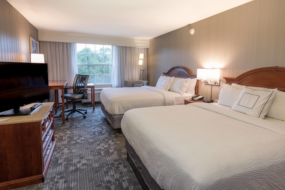 Room, Courtyard by Marriott Chapel Hill
