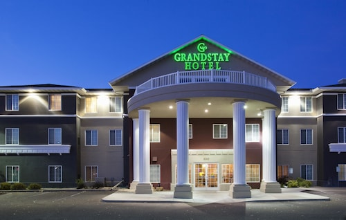 Great Place to stay GrandStay Residential Suites - Eau Claire near Eau Claire