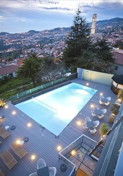 Caminho do Monte 105-107, 9050-288 Funchal, Madeira, Portugal.