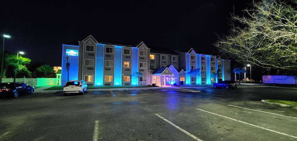 Front of Property - Evening/Night, Microtel Inn & Suites by Wyndham Zephyrhills